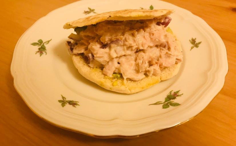 Wraps/pitas de atún y crema deaguacate