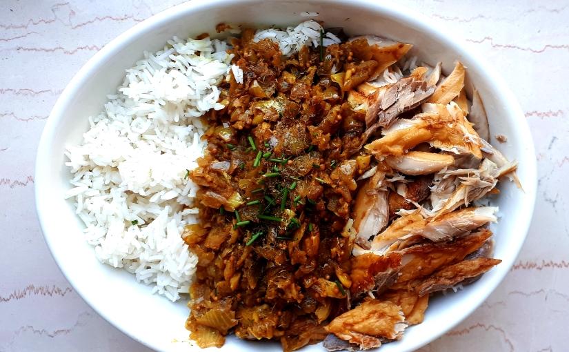 Kedgeree inglés (arroz basmati con salmón yespecias)