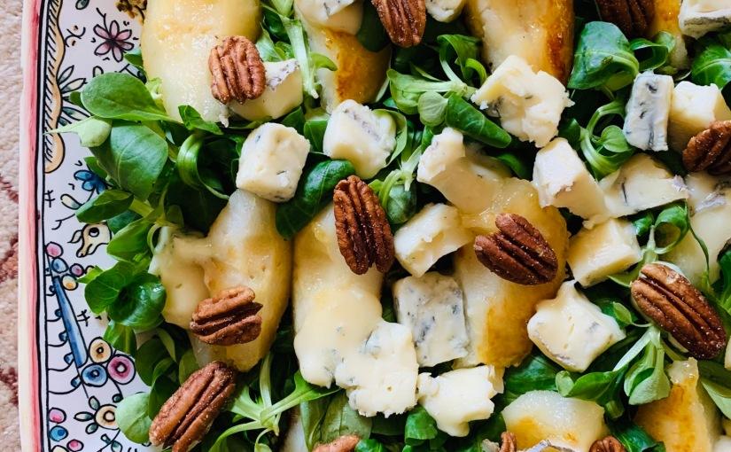 Ensalada con pera caramelizada y quesogorgonzola