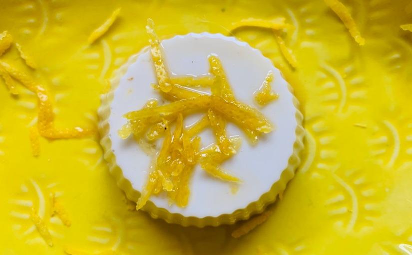 Panna cotta de limón y coco (4 ingredientes, 10minutos)