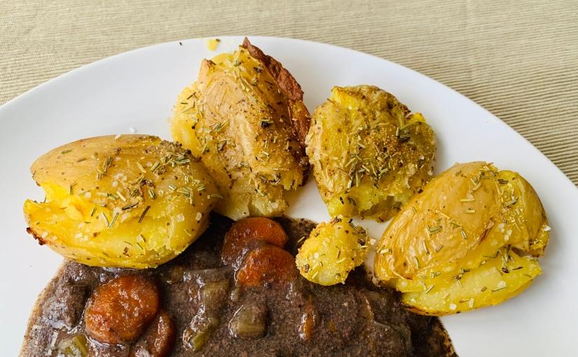 Patatas machacadas (guarnición)
